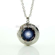 2017 Limited Collier Collares Dress Accessories Galaxy Surface Universe Space Jewelry Light Locket Pendant Out Of Perfume N 877