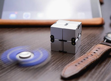 2017 New Fashion Fidget Cube Metal Infinity Cube For Stress Relief Fidget Anti Anxiety Stress Funny EDC gift