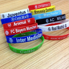 100pcs/lot Low Price Mixed Silicone Rubber Wristband Bracelet Barcelona Chelsea Football Team Design for Women Fashion Jewelry