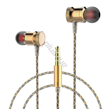 Wholesales  3.5mm In-Ear Metal Earphone Heavy Bass Sound Quality Music Earphones Stereo  for iphone4 5 6 Samsung XIAOMI LG