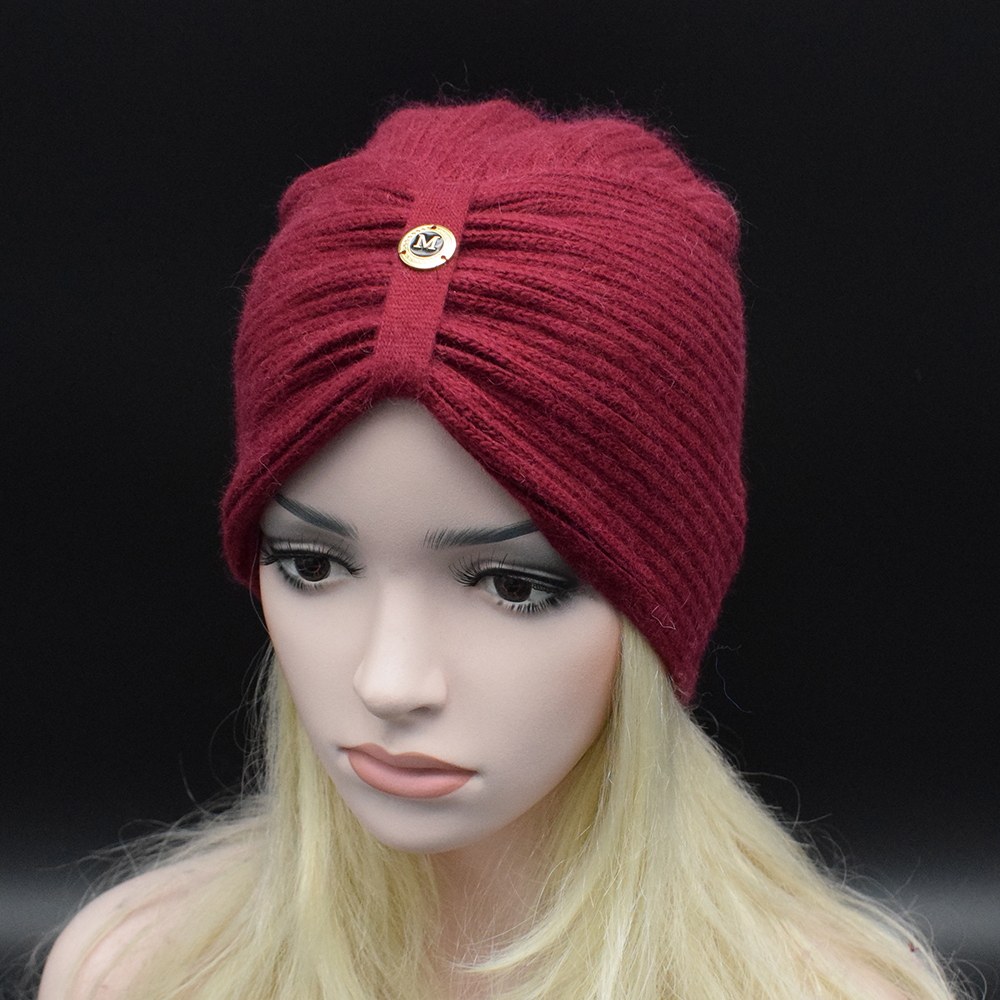 2017 New Fashion Ladies Metal Logo Accessory Winter Warm wool Turban Soft Knit Beanie Crochet Head wrap Women wool Hat knit CapsÎäåæäà è àêñåññóàðû<br><br>