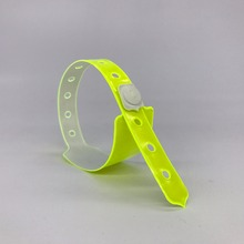 50pcs Neon yellow Vinyl ID Wristbands hole sale fashion disposable PVC festival bracelet cheap event vinyl wristband for ticket(China)