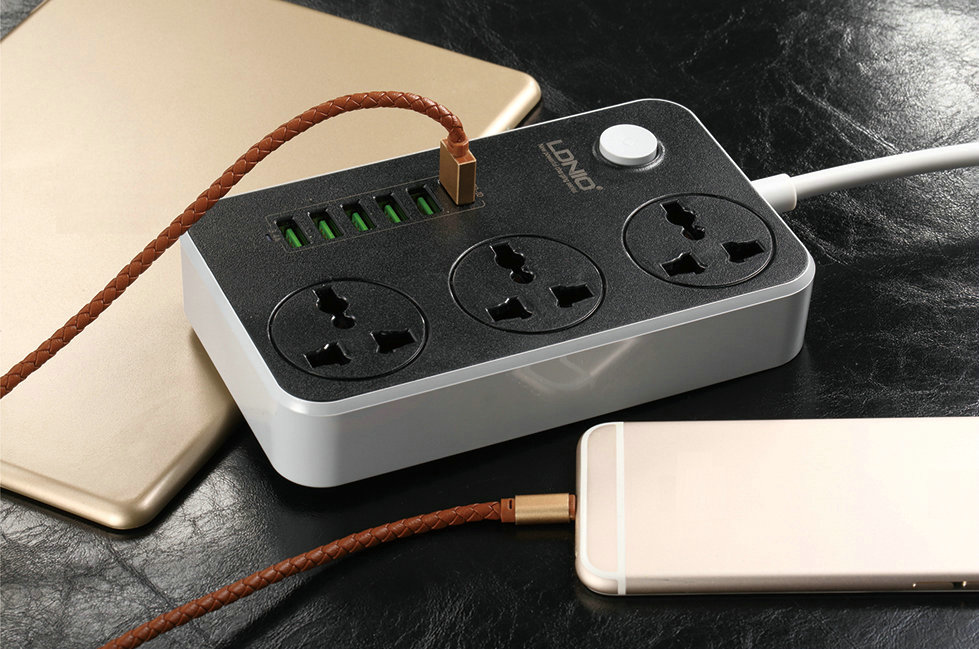 Power Strip With 3 Universal AC Sockets & 6 USB Ports