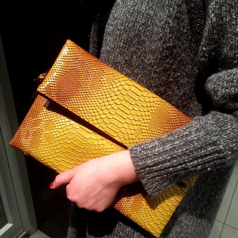 LYDZTION 2017 Hot Summer Ladies Clutch Bag Fashion Envelope Slim Handbag Snake Skin Personalized Women Totes Chain Messenger Bag<br>