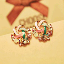 Tomtosh 2016 New Korean Upscale Jewelry Wholesale Fashion Elegant Temperament Distorted Color Rhinestone Stud Earrings for Women