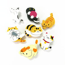 XT135 Cartoon Cute Cat Pins trendy  Fortune Cat Kitty Wood Brooch Pins Decoration Brooches Gift Wholesale