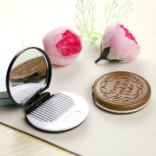 1x Women Cute Chocolate Cookie Shaped Makeup Mirror with 1 Comb Set Makeup Tool Pocket Mirror Home Office Use