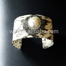 WT-B194  Gorgeous Natural mother of pearl bangle genuine leather adjustable pearl bangle bracelet