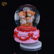 Cute Bears Valentines Day Massacre Snow Globle Hot Sale Balentimes Music Box Christmas Tree Store Glass Ball Christmas Greetings