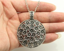 WYSIWYG 2 Colors Antique Bronze, Antique Silver Color Round Flowers Pendant Necklace , 70Cm Chain Long Necklace(China)