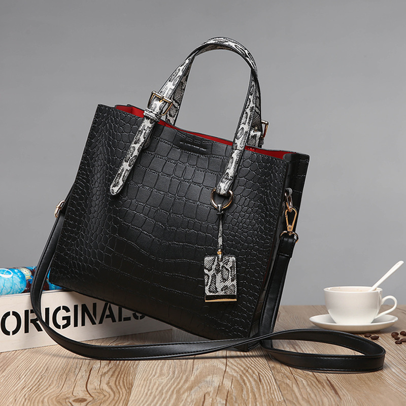 Genuine Leather Handbag Red Crocodile Patent Leather Tote Bag Women Handbags Luxury Women Bags Designer Crossbody Shoulder  C825 formal wear