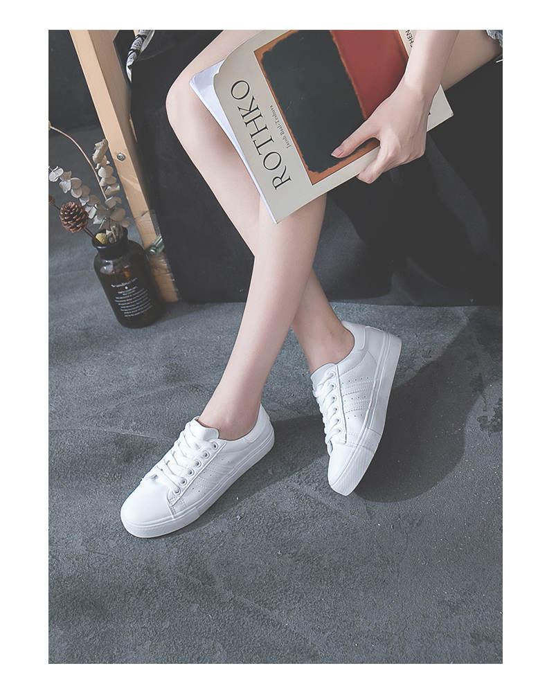حذاء نساء لون ابيض 33