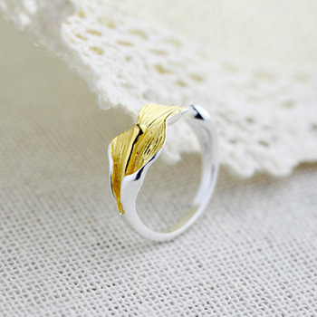 1Pcs 2016 Hot Lily Luxury Ring Golden Buds Rings Unique Novel Style Finger Ring Hot Lovers Day Fancy cz Stone Flower Jewelry