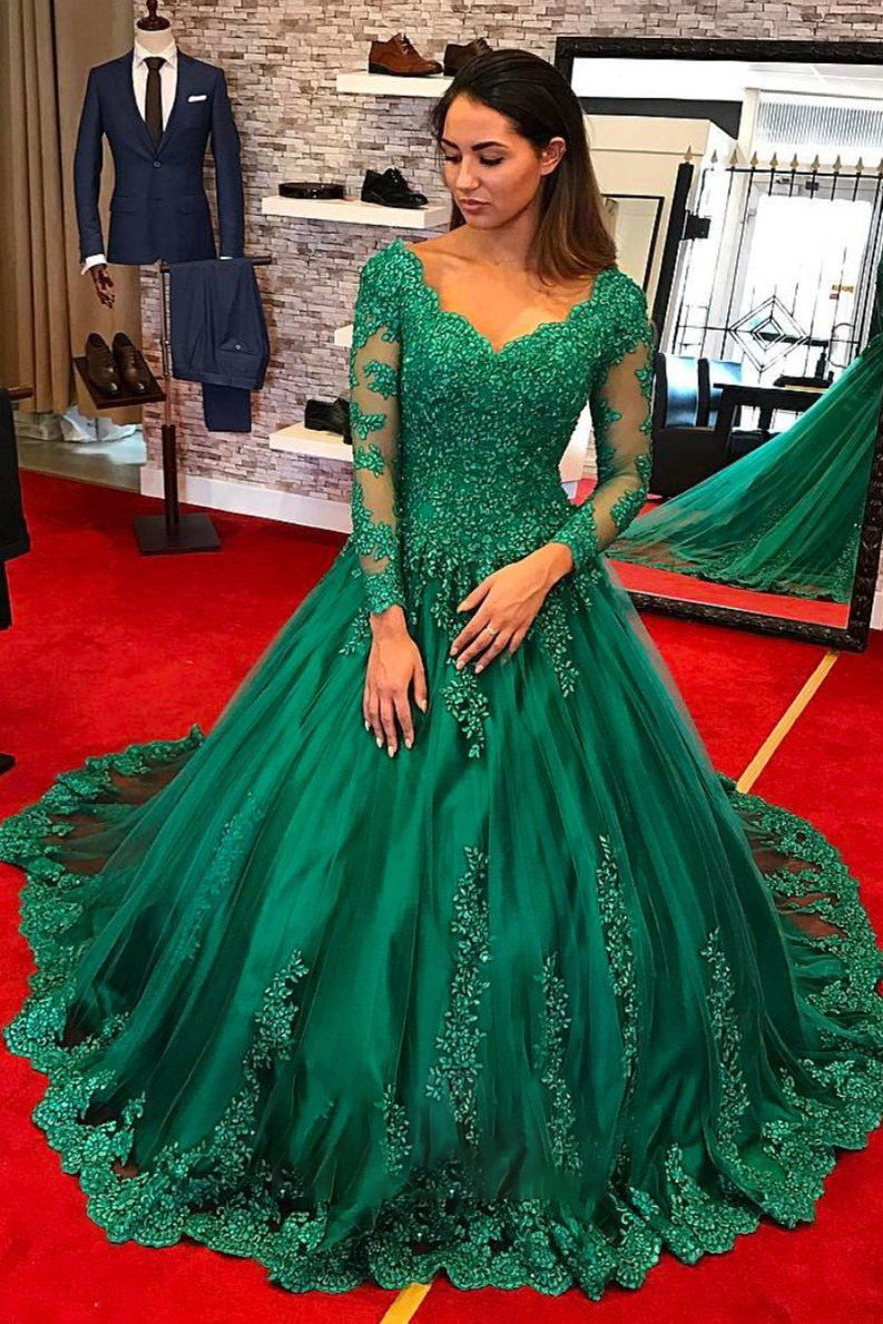 Elegant Ball Gown Prom Dress Long Sleeves Lace Appliques V Neck Beaded Vintage Formal Special Occasion Dresses Sweet 16 Gowns