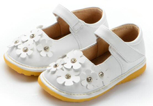 little girls squeaky shoes flowers on toe squeakers 1-3 years kids shoes handmade mary jane white for baby in spring fun shoes(China)