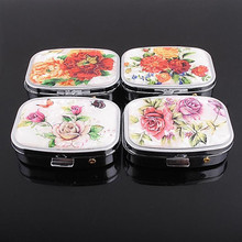 Mini Metal Portable travel Floral Pill case for Drugs splitters Medicine box(China)