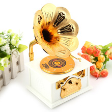 W Gramophone Music Box For Elise Retro Phonograph Shape Classic Music Box Gift Classic Gold Trumpet Horn Creative Crafts