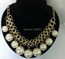 2017 new explosion models white pearl necklace chain metal character necklace jewelry for women,big pearl beads necklace jewelry
