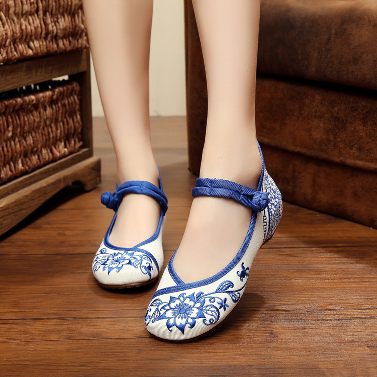 New spring Chinese Style Natural Retro Blue and white porcelain embroidery fashion casual ladies party flats shoes for women<br><br>Aliexpress