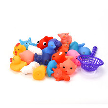 One Dozen 20pcs Rubber Animals With Sound Making Baby Shower Party Favors Toy Bath Toys juguetes educativos water toys(China)
