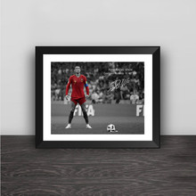 Изумленный Криштиану Роналду Кубок мира по футболу Hat-trick Barb Shot Wood Photo Frame CR Autograph Poster football Fans Craft сувенир(China)