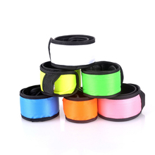 Beautiful Led Wristband Bracelet Light Glow Led Flashing Night Armband Rave Party Fun Multi Colors
