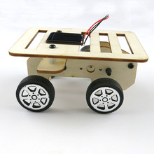 DIY Mini Wooden Car Model Solar Powered Handmade Kit 4WD Smart Robot Car Chassis RC Toy 100*70*50mm Children Learning model(China)