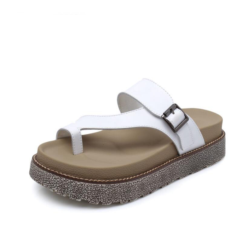 The first layer of cow hide slippers women in the summer fashion flat womens cold slippers New Roman toe beach shoes for 2017<br>