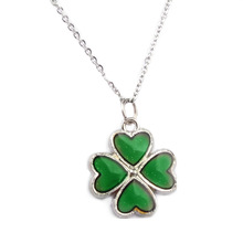 Four Leaf Clover Pendant Necklace with Sensitive Crystal Thermo Mood Color Change tt2
