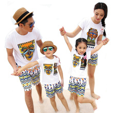 2017 New beach Summer Family Matching Outfits Maya design mother Girl father Boy sets white T shirt + shorts Pants