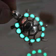 NEW Glowing ancient Sea turtles Necklace glow tortoise Necklace GLOW in the DARK night Fluorescent gifts men women girls
