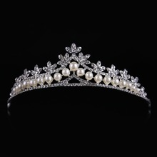 Top Quality Simulated Pearl Snow Queen Crown Sweet Wedding Headpiece Trendy Hairwear Zinc Alloy Tiara Para Noiva HG010(China)