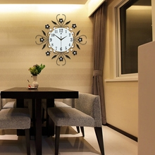 Modern Metal Wall Clock Flower Diamond Rhinestone Silent Room Home Office Decor(China)