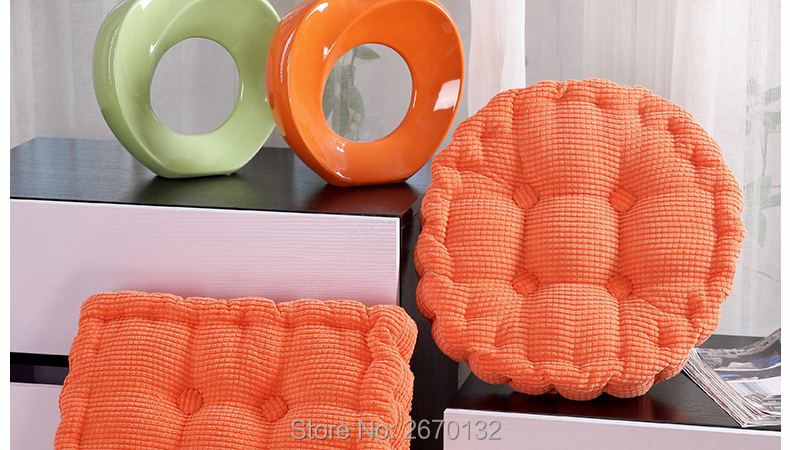 Corn-Cushion-790-02_05
