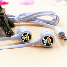 Anime One Piece Luffy Skull In-ear Earphone 3.5mm Stereo Earbuds Microphone Phone Music Headset for Iphone Samsung Xiaomi MP3