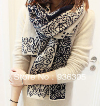 2014 sell like hot cakes, retro scarf of blue and white porcelain, warm. FREE SHIPPING ! Min. Order $ 10 (mix order)