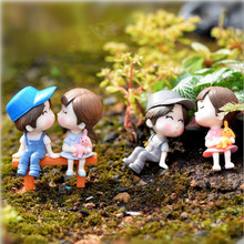 2pcs/set PVC Mini Love Doll Figurines Micro DIY Landscape Bonsai Plant Garden Ornament,Lovely Boy and Girl dolls on Stool(China)
