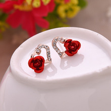 QCOOLJLY 2017 Hot Fashion Fine Excellent Jewelry Gold Color Rhinestones Heart-shaped Rose Flower Stud Earrings For Women Gift(China)