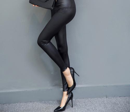 Spring-models-large-size-fashion-Black-Faux (2)