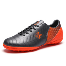 New Men Boys Soccer Shoes Breathable Indoor Concrete Floor Football Shoes Kids Children Training Football Boots Sneakers