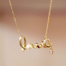 2016 New Korean Fashion Temperament All-match Short Necklace Love Imitation  Necklace Chain Letter Personality Clavicle F