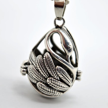 5pcs Antique Silver Swan With Lava Stone Aromatherapy Jewelry Essential Oil Diffuser Locket Pendant Necklace XSH-419