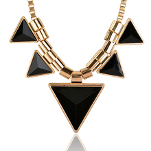 Brilliant quality Latest Womens Vintage Unique Jewelry Gold Metal Necklace Triangle Gems Pendant Necklace Chian 5D27