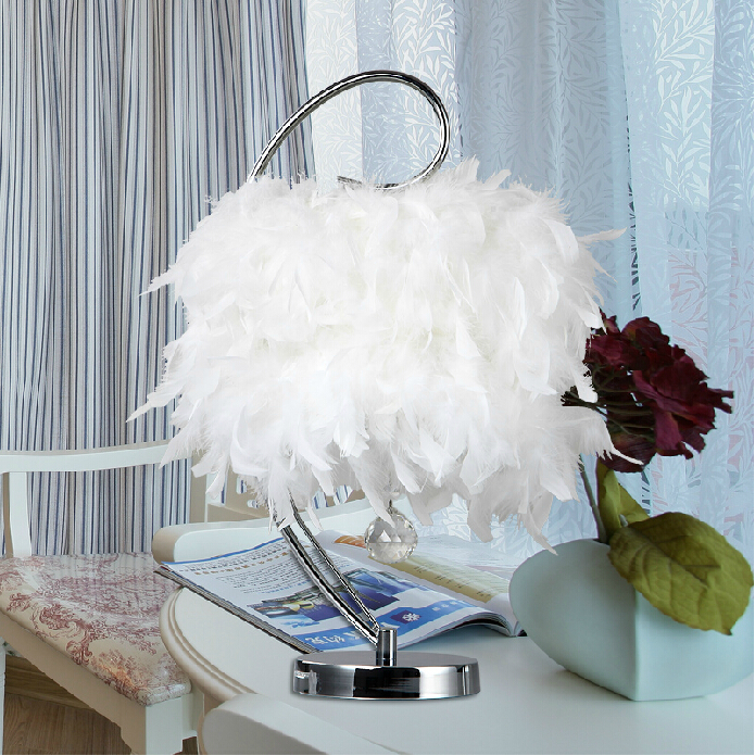 Creative Iron Table Lamp Decorate White Feather Lamp Crystal Bedroom Desk Lamp<br><br>Aliexpress