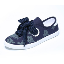 European Style Fresh Flowers Printed White Shoes Breathable Fashion Women Flats Lace Up Canvas Female Round Toe Female Shoes