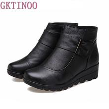 2017 Snow boots shoes women genuine leather large yard winter boots women boots warm plush winter shoes Big Size 35-41(China)