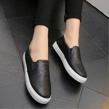 Spring And Autumn New 2017 Women Shoes Serpentine Surface Women Flat Slip On Higher Fashion Bost Shoes Comfortable Loafers