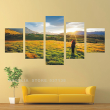 Green Canvas Art Work Modern Living Room The Photographer In The Sunlight Canvas 5 Panel Wall Picture Home Decoration