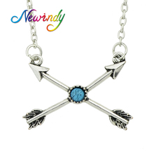 Newindy  Ethnic Jewelry Vintage Silver Color Chain Necklace Blue Stone Arrow Pendant Short Clavicle Necklace