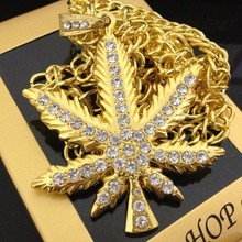 new men hip hop jewelry necklace hot style hemp leaf bar and nightclub singer necessary trend of women's neck